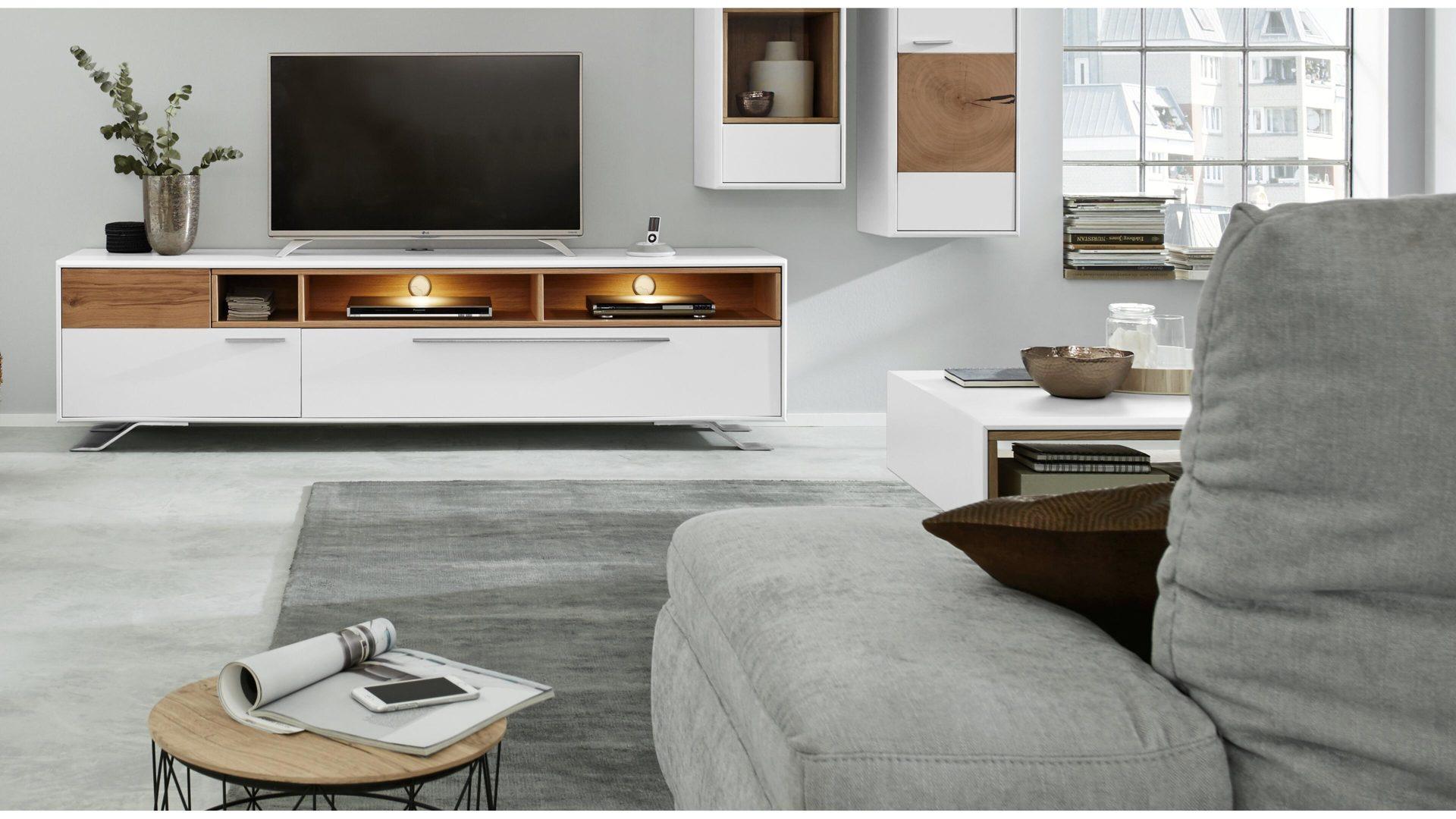 lowboard die hausmarke il aus holz in holzfarben interliving wohnzimmer serie 2102 medienboard helles